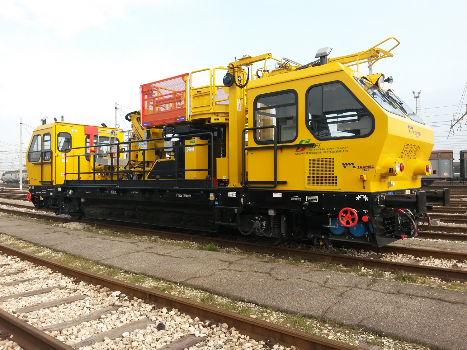 Tesmec OCPC400 Multipurpose Railway Maintenance Vehicle