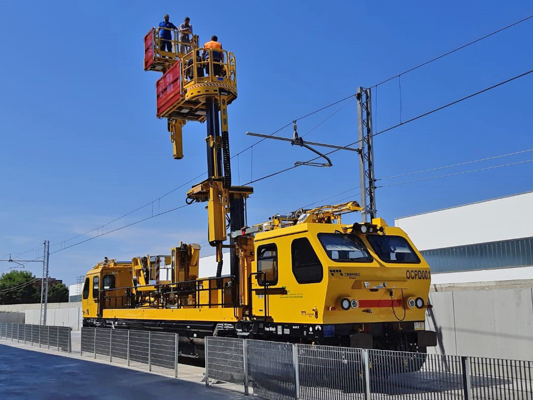 Tesmec OCPD001 Multipurpose Railway Maintenance Vehicle