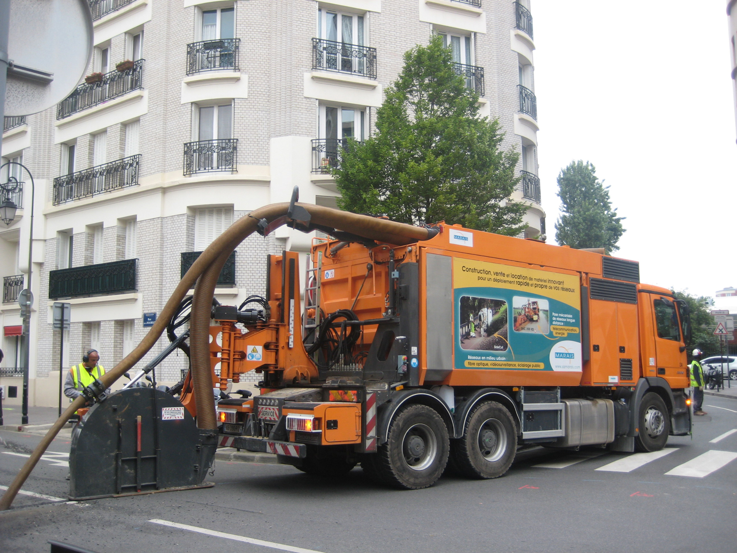 Tesmec Marais Cleanfast with Integrated Vacuum System Trencher