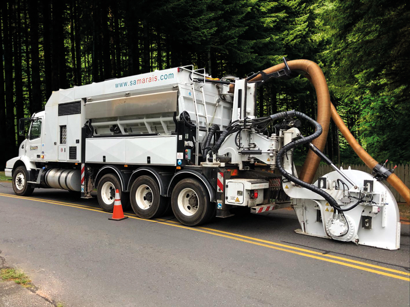 Tesmec Marais Cleanfast Us with Integrated Vacuum System Trencher