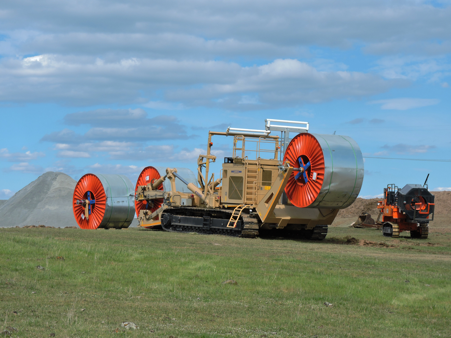 Tesmec RC 320 Reel Carrier is especially designed for renewable projects, wind farms and solar plants