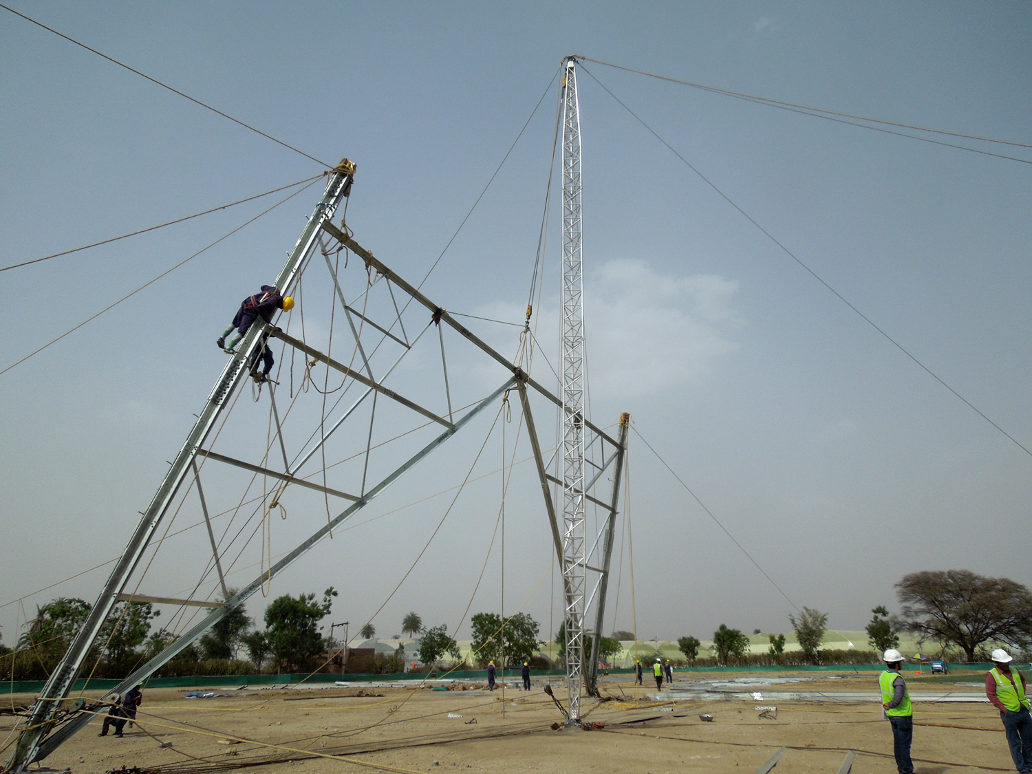 Tesmec Stringing Solutions for Powerlines Towers Construction