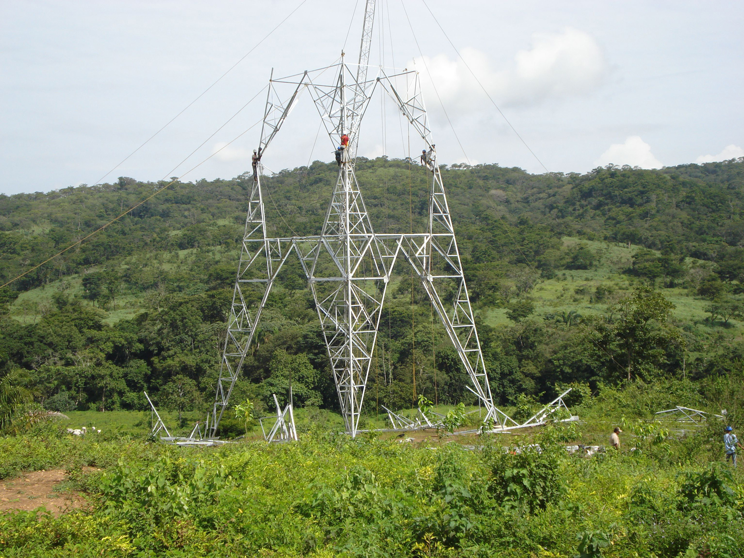 Construction of new powerline towers with Tesmec Stringing