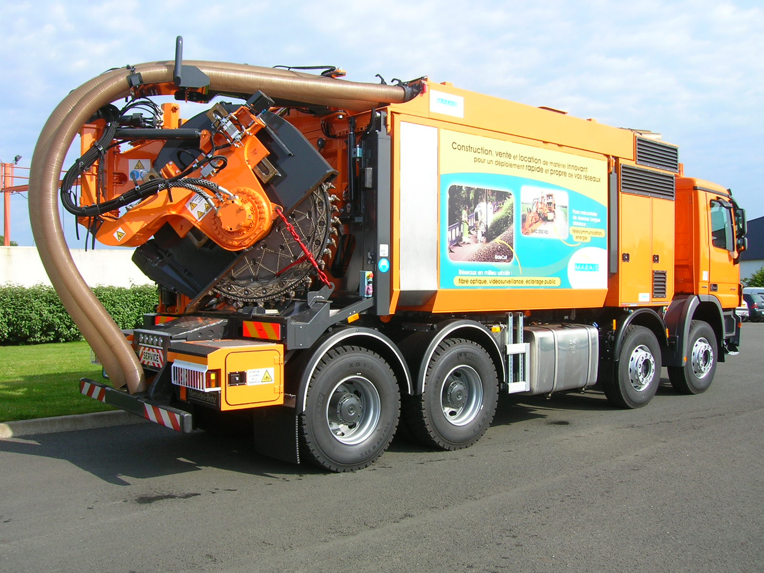 Tesmec Marais Cleanfast Wheel Trencher with Integrated Vacuum System