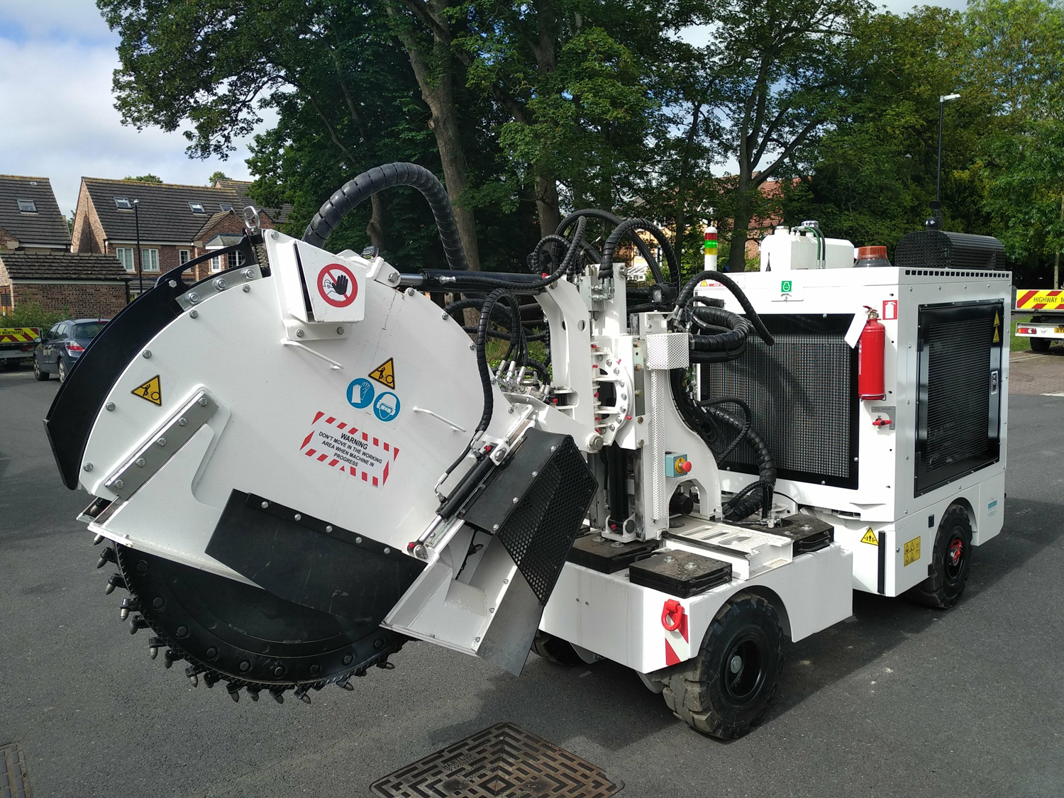 Tesmec Marais Sidecut SC4P for Urban Jobsites