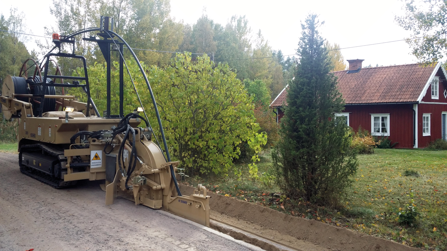 Tesmec 300 Trencher for urban cable laying jobs