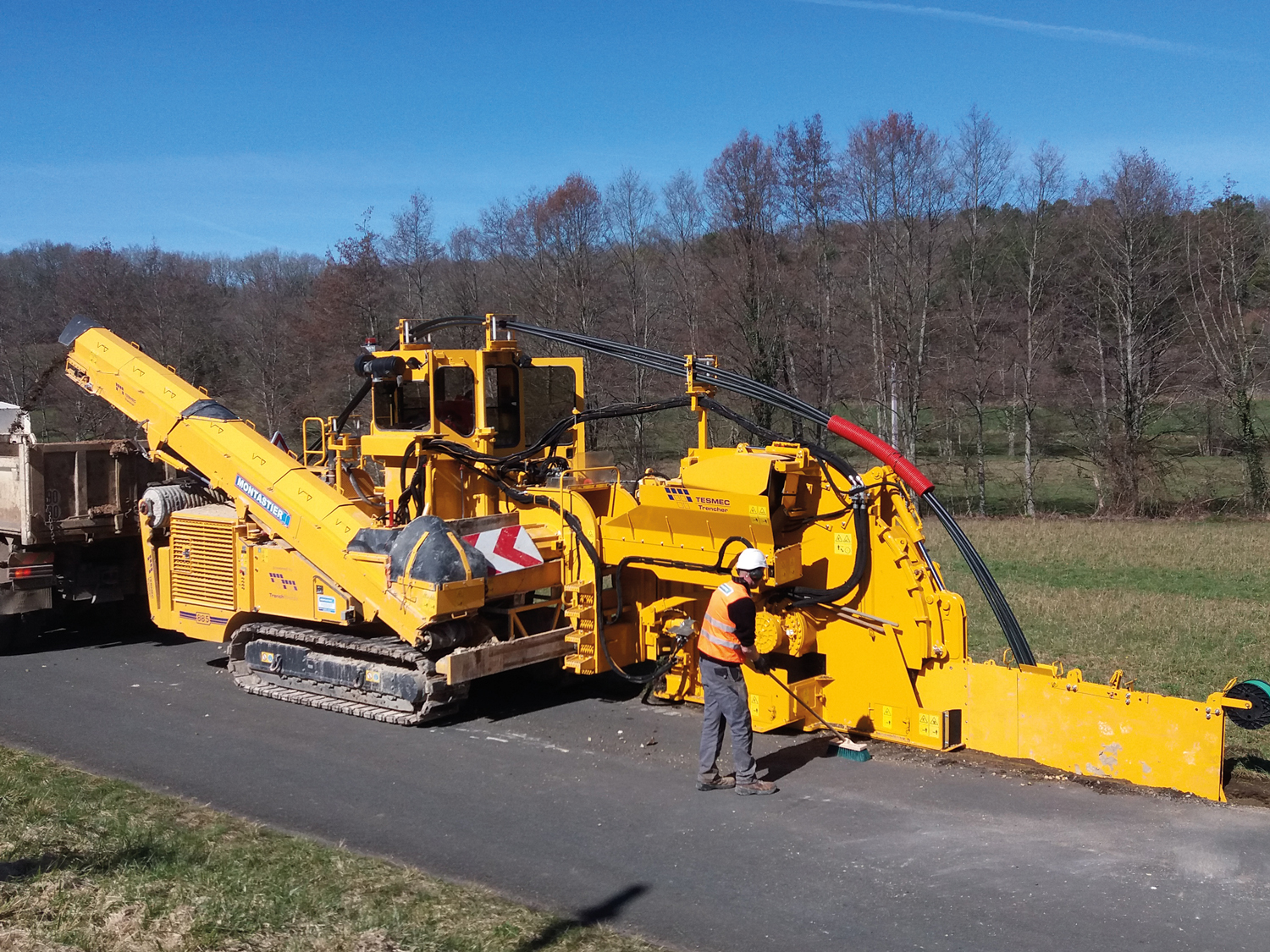 Tesmec 950R T1000 Rocksaw Trencher for Cable Laying Jobs