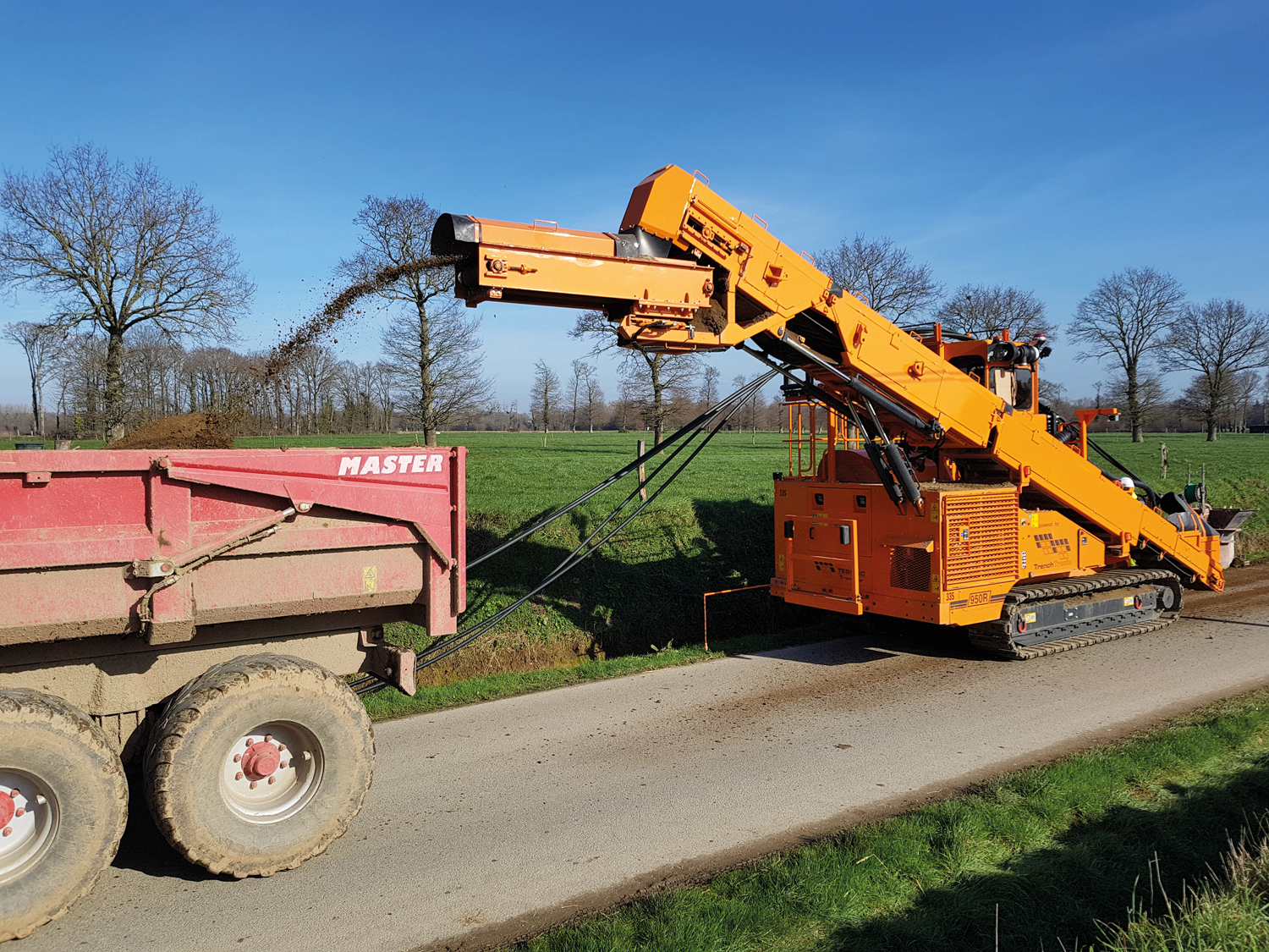Tesmec 950R T620 Mechanical Cable Laying Trencher