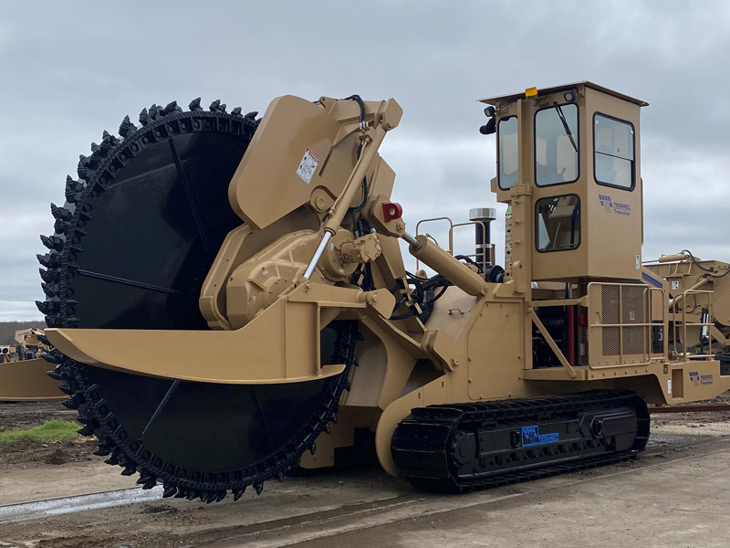 Tesmec Rocksaw Trencher for utility projects 1075